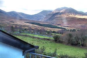 La vue sur les montagnes depuis la plupart de chambres.